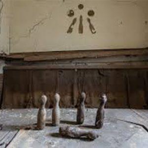 پین های چوبی در بازی بولینگ
